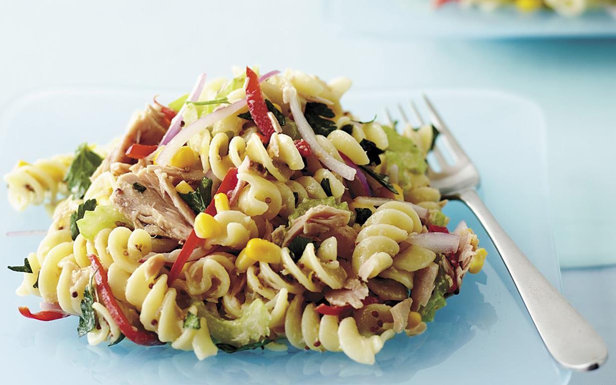 Salată de paste cu ton