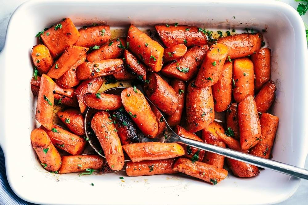 Morcovi caramelizați - o garnitură delicioasă