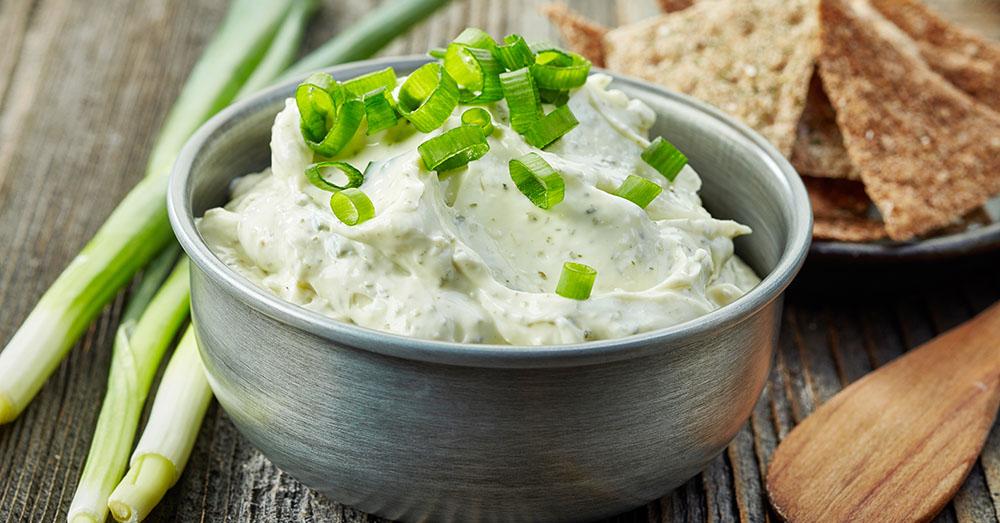 Cremă de brânză cu ceapă verde