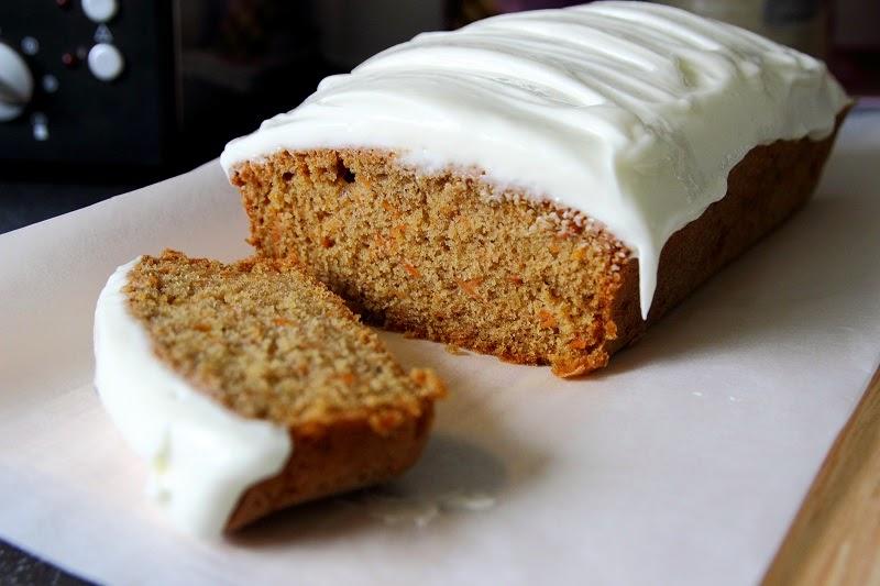 Prăjitură cu morcov și scorțișoară
