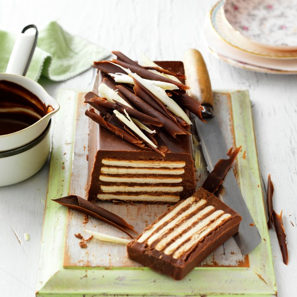 Tort de biscuiți cu ganache de ciocolată - cel mai simplu tort