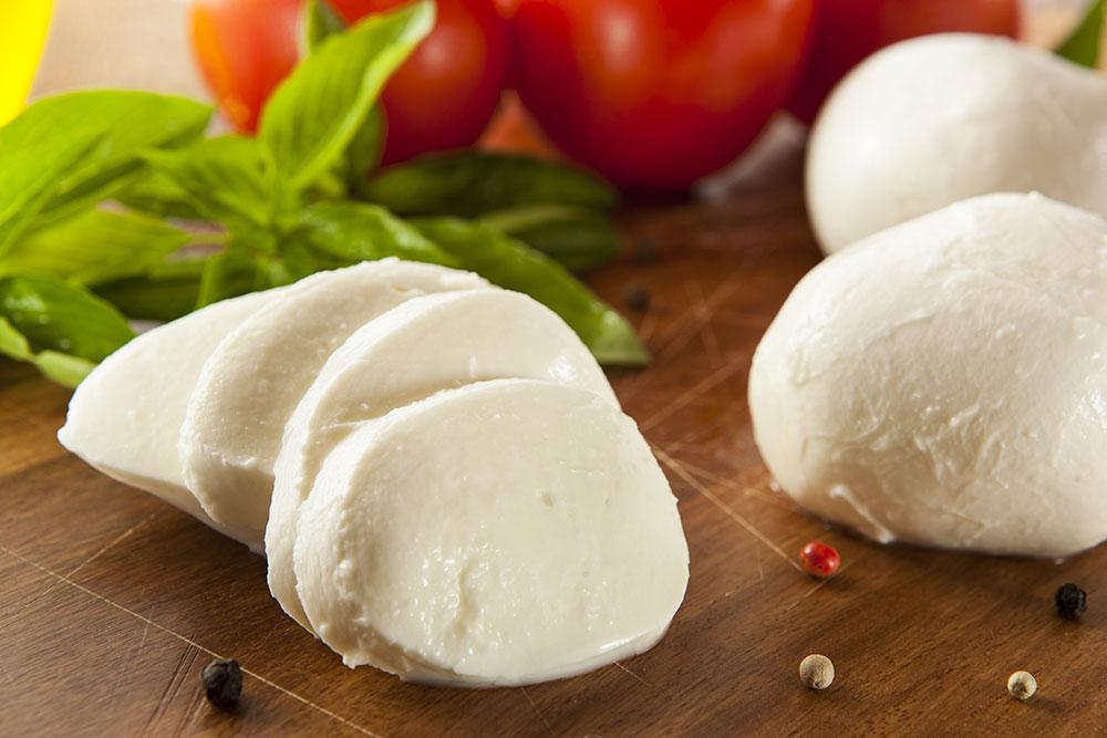 Cum să faci mozzarella acasă