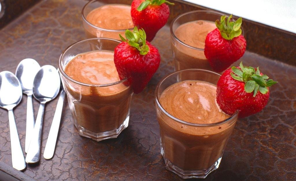 Mousse de ciocolată cu căpșune - desertul cu care cucerești pe oricine