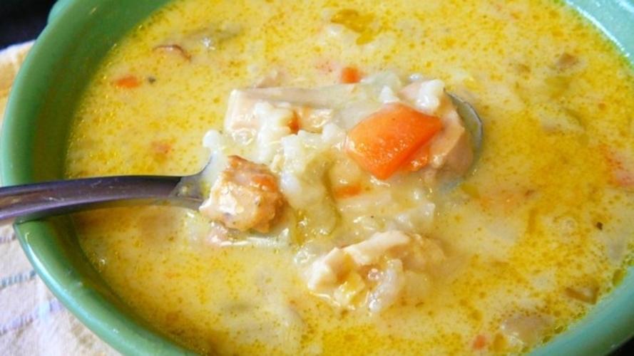 Supa cu pui si curry