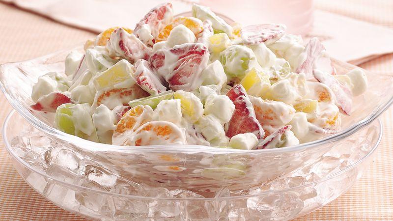 Salată de fructe cu mascarpone și frișcă