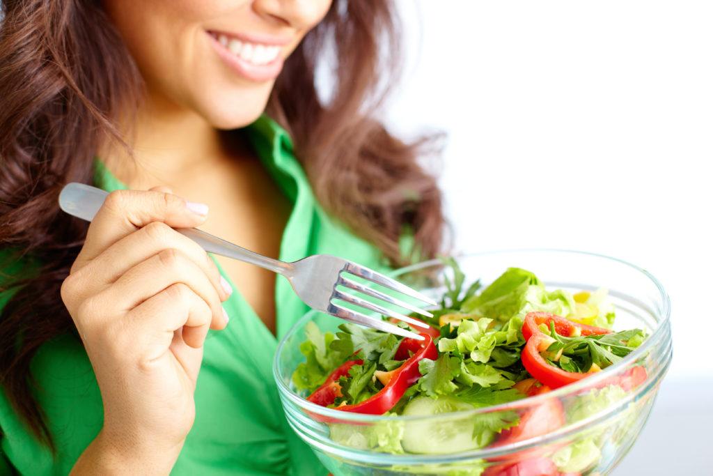 Dieta vegetariană, slăbești și ții la distanță bolile cronice