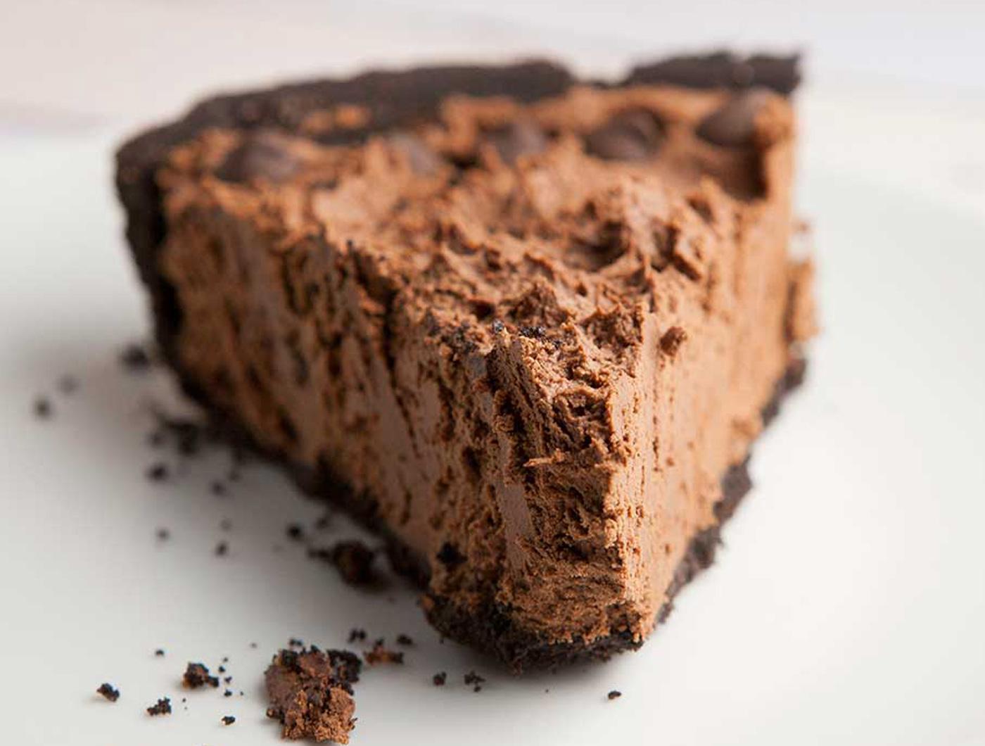 Tarta cu Oreo, mousse de ciocolata si fructul pasiunii