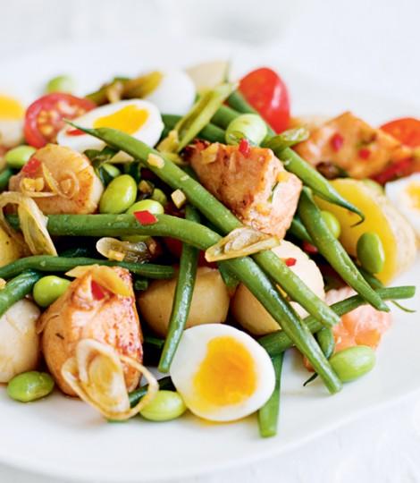 Salata De Somon Cu Scoici, Fasole Verde Si Oua De Prepelita