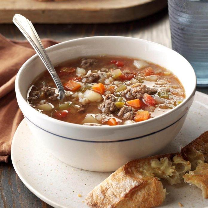 Supă cu linte și carne tocată