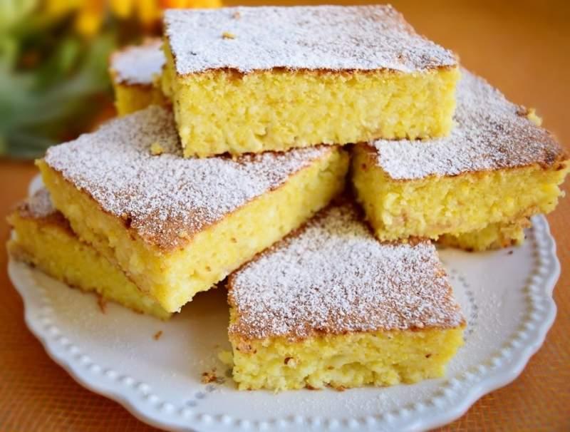 Prăjitură cu mălai și lapte bătut