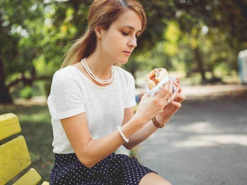 Top 5 alimente care pot favoriza aparitia acneei