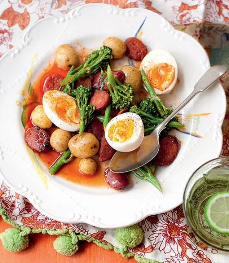 Salata De Broccoli Cu Chorizo, Cartofi Noi Si Oua