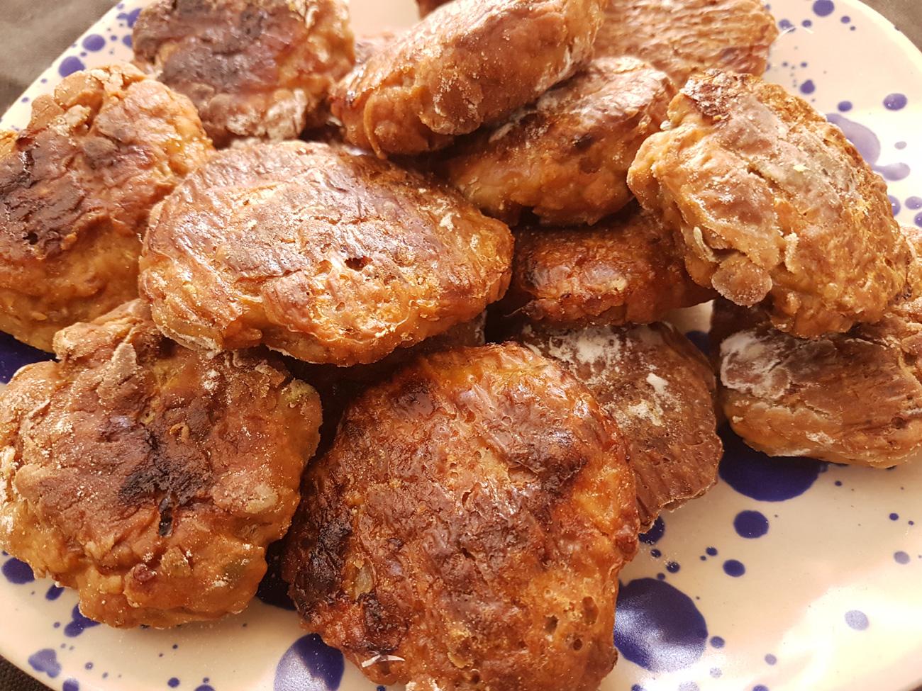 Chiftele din carne de porc si vita, la cuptor