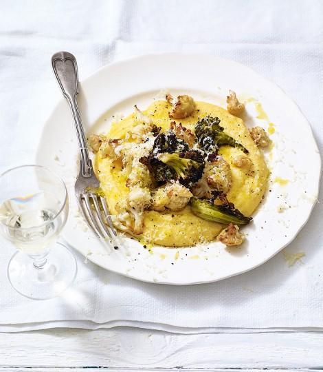 Conopida Si Broccoli Coapte, Cu Mamaliga