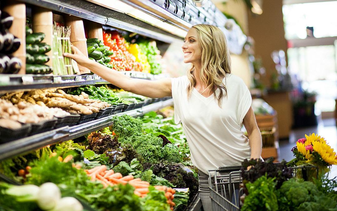 10 trucuri ca să dai mai puțini bani pe mâncare
