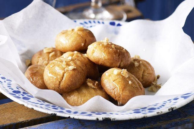 Melomakarona - biscuiți grecești cu miere și nuci