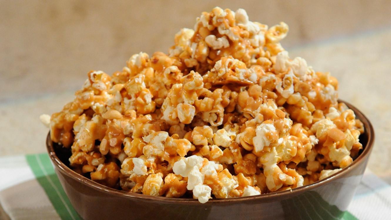 Popcorn cu caramel simplu și rapid