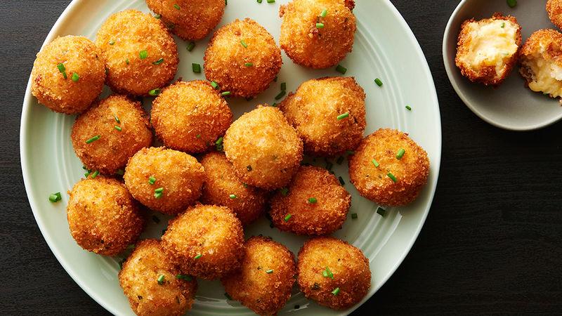 Crochete de cartofi cu cașcaval