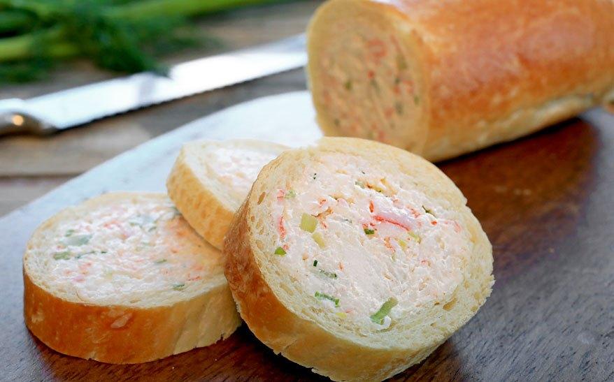 Baghetă umplută cu brânză și bacon
