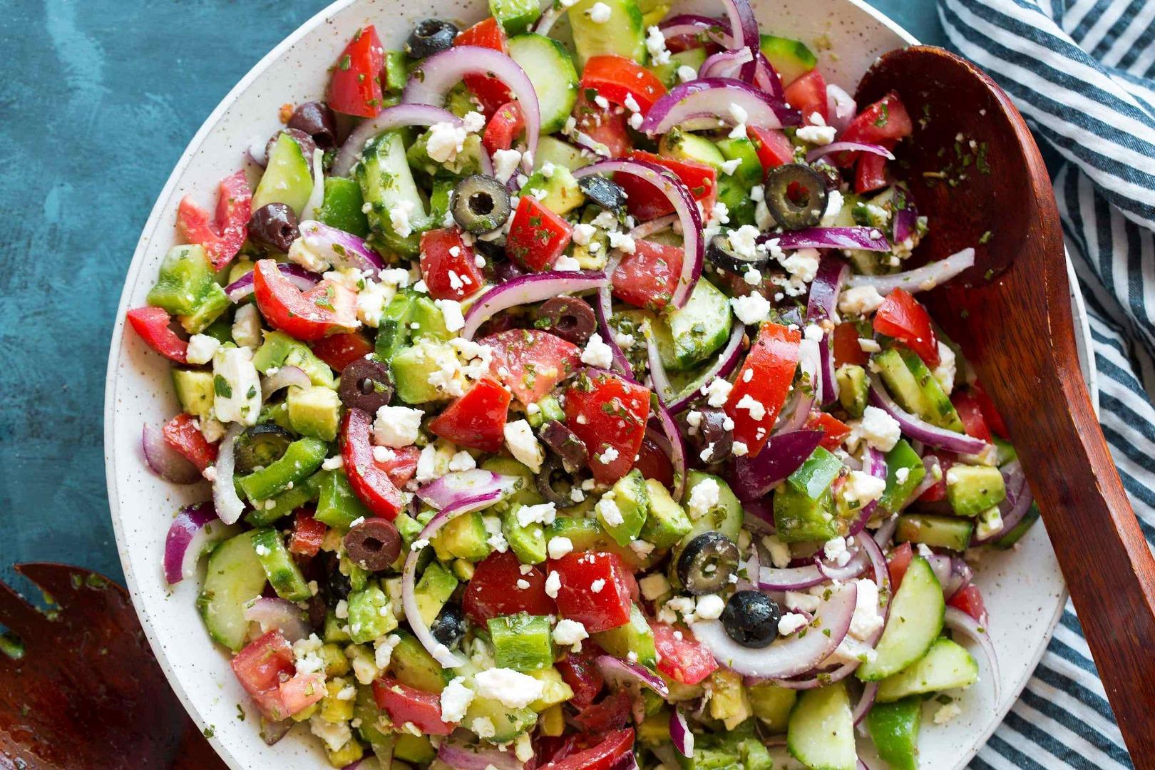 Salată grecească - simplă și rapidă