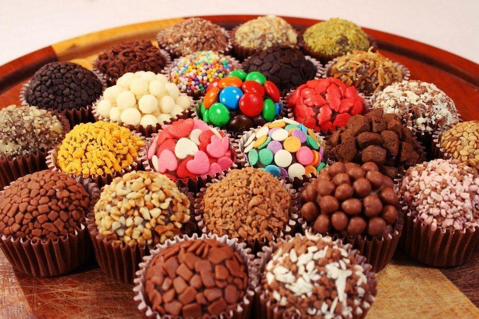 Trufe de ciocolată făcute acasă (Brigadeiros)