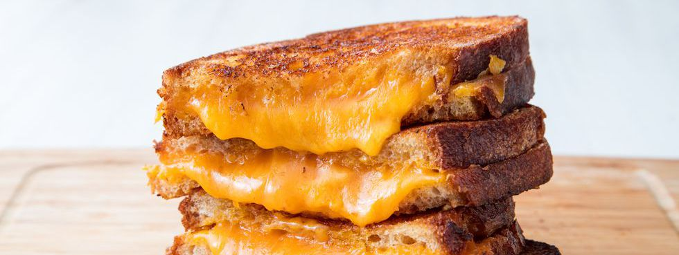 Sendvișuri grilled cheese