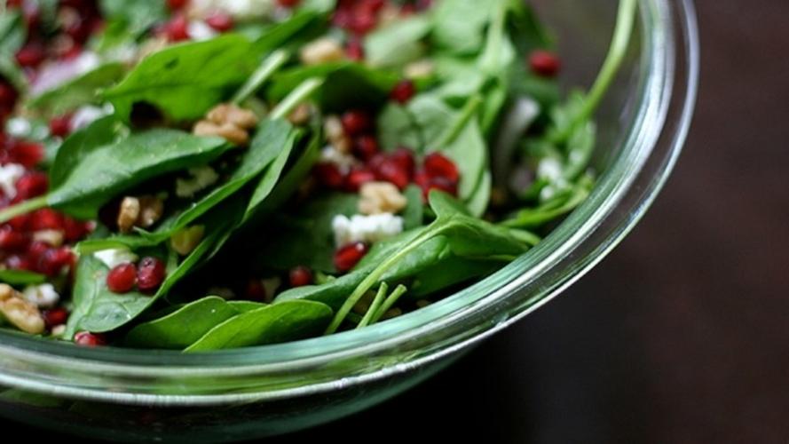 Salata de spanac cu rodie