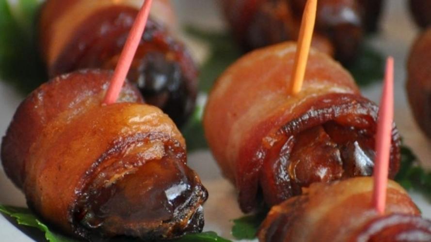 Aperitiv cu bacon si curmale