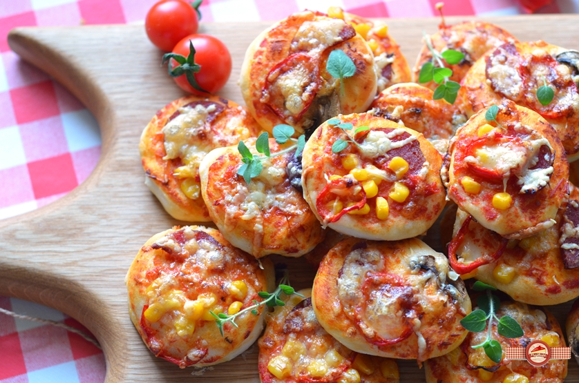 Mini pizza - gustări rapide și delicioase