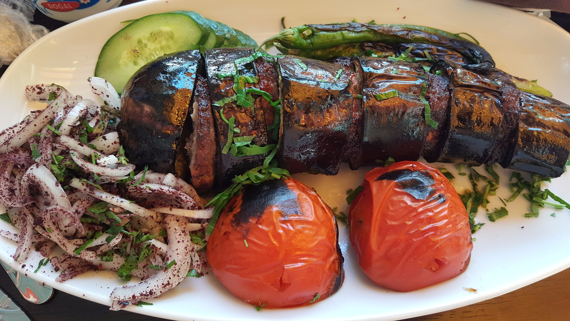 Patlicanli kebap - frigărui turcești cu carne tocată și vinete