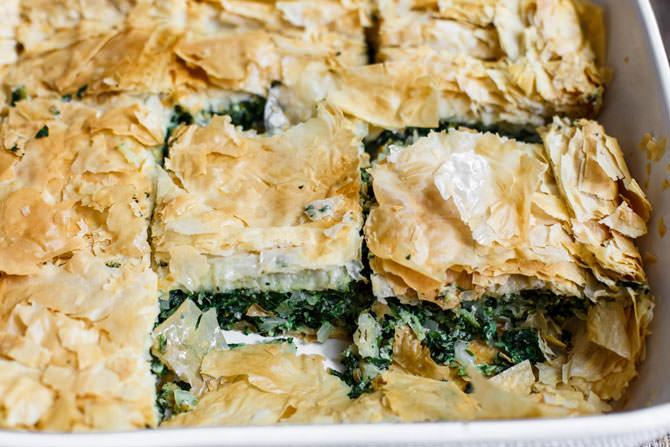 Spanakopita - plăcintă grecească cu spanac și brânză Feta