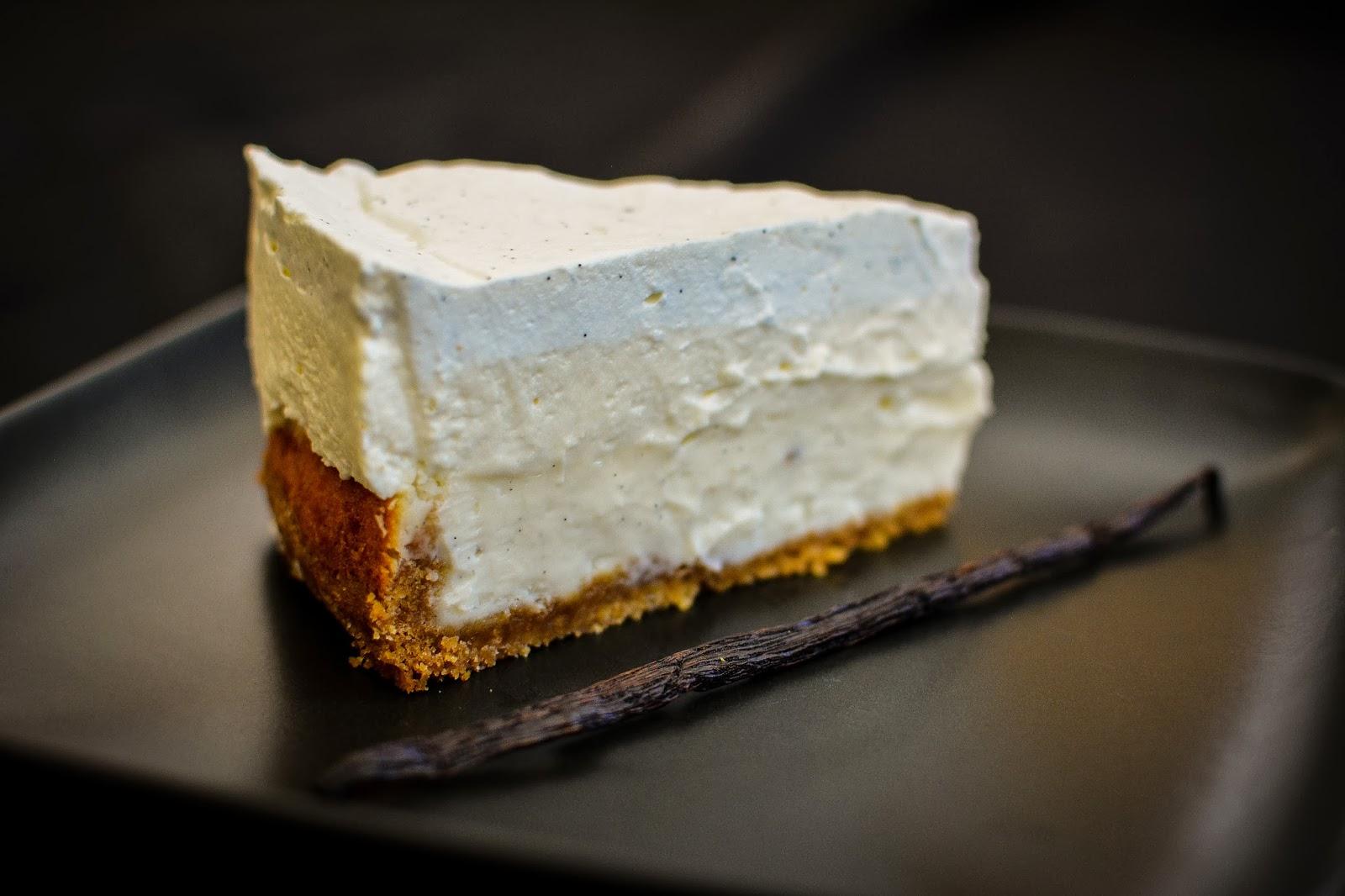 Cheesecake cu mousse de vanilie