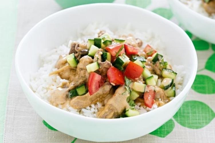 Vita Satay Cu Salata De Rosii