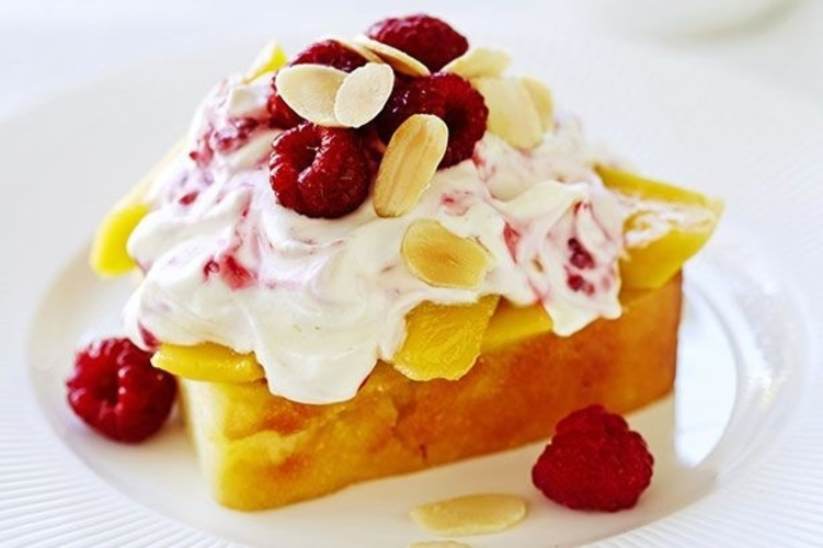 Trifle Cu Mango Si Zmeura
