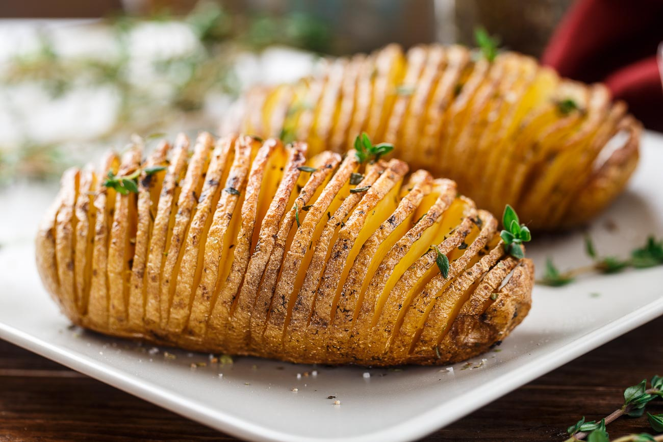 Cartofi acordeon - cel mai spectaculos mod de a găti cartofii