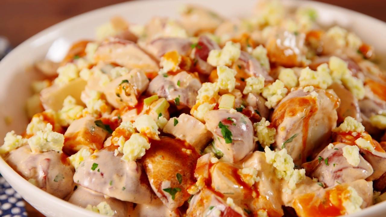 Salată picantă de cartofi cu piept de pui