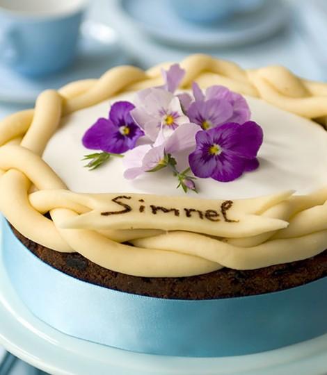 Tort Simnel De Ciocolata