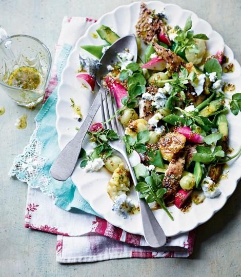 Salata De Macrou Afumat Si Agrise