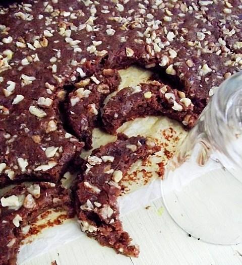 Prăjitură semilună cu cacao și nucă