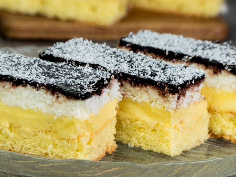 Prăjitură Regina Maria - rețetă din caietul bunicii