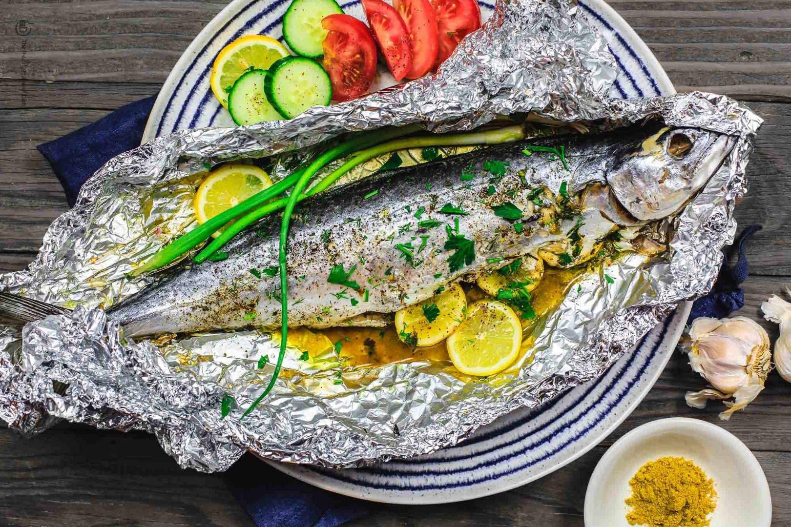 Macrou la cuptor în stil mediteranean