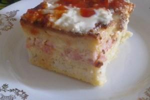 Budinca de paine cu sunca si branza (bread pudding)
