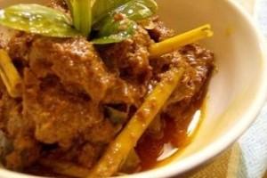 Curry de pui si cartofi