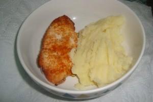Piept de pui la gratar cu piure de cartofi