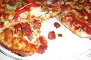Pizza delicioasa cu blat pufos