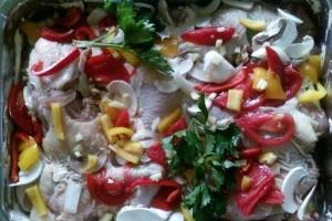 Pulpe de pui cu legume si mar