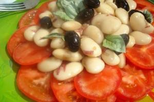 Salata de fasole boabe cu rosii