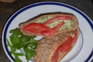 Sandwich de pui in buzunar de pita