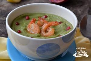 Supa crema de broccoli cu rodie si creveti