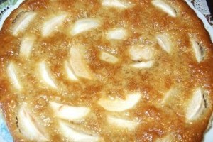 Tarta cu mere si chec de lamiie